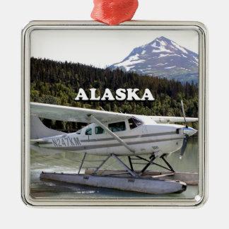 Ornement Carré Argenté L'Alaska : Avion de flotteur, lac 3 trail