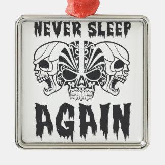 Ornement Carré Argenté Ne dormez encore jamais