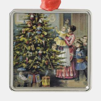 Ornement Carré Argenté Noël vintage, famille victorienne autour d'arbre