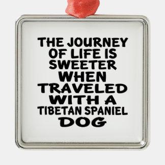 Ornement Carré Argenté Parcouru avec un associé tibétain de la vie