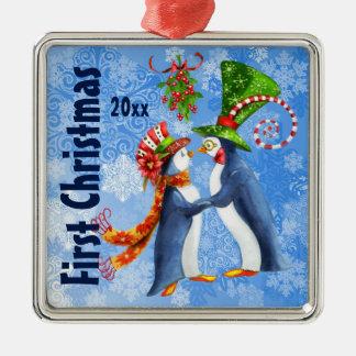 Ornement Carré Argenté Premiers pingouins de Noël dans l'amour sous le