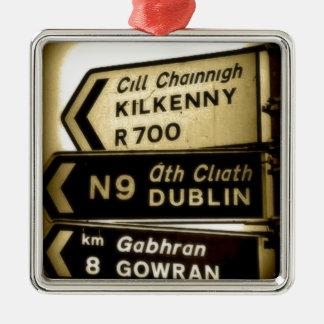 Ornement Carré Argenté Signes de bord de la route de l'Irlande