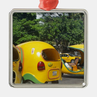 Ornement Carré Argenté Taxis jaunes lumineux de Cocos d'amusement du Cuba