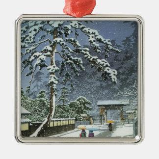 Ornement Carré Argenté Temple de Honmonji dans la neige - 川瀬巴水 de Kawase