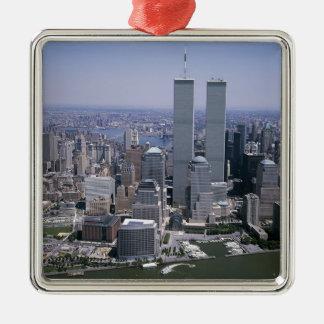 Ornement Carré Argenté Tours jumelles d'horizon de New York City
