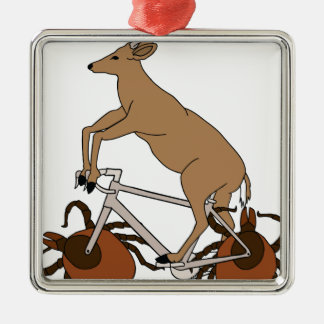 Ornement Carré Argenté Vélo d'équitation de cerfs communs avec des roues