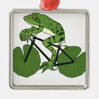 Ornement Carré Argenté Vélo d'équitation de grenouille avec des roues de