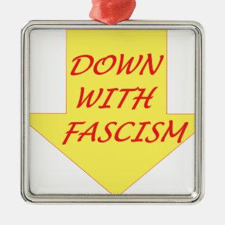 Ornement Carré Argenté Vers le bas avec le fascisme