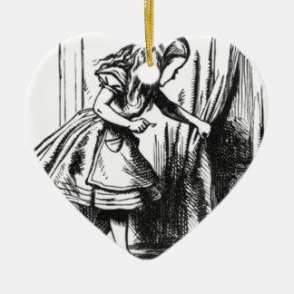 Ornement Cœur En Céramique Alice trouve une porte