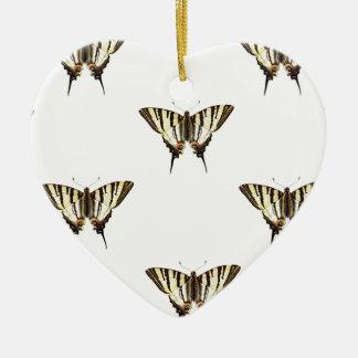 Ornement Cœur En Céramique étendez les papillons