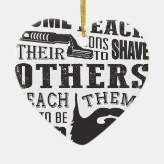 Ornement Cœur En Céramique La barbe, un certain père enseignent à raser