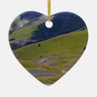 Ornement Cœur En Céramique Paysage dans les montagnes de Sibillini en Italie