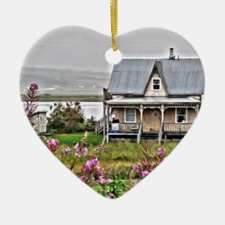 Ornement Cœur En Céramique Peu de maison avec un champ des fleurs