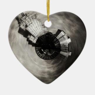 Ornement Cœur En Céramique Puissance minuscule et lumière de planète