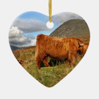 Ornement Cœur En Céramique Vaches des montagnes écossaises - Ecosse