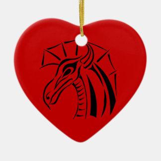 Ornement crêté de coeur de dragon
