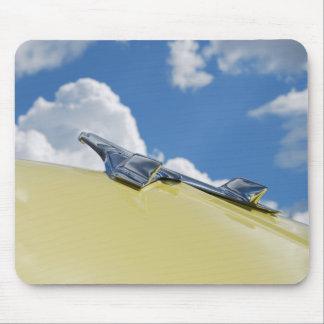 Ornement de capot de voiture - cru - photographie  tapis de souris