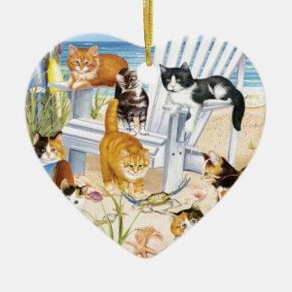 Ornement de coeur de chatons de plage