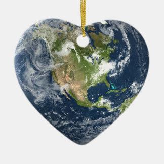 Ornement de coeur de la terre de planète