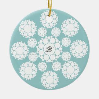 Ornement de photo de Noël de monogramme de flocons