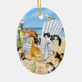 Ornement d'ovale de chatons de plage