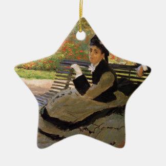 Ornement Étoile En Céramique Camille Monet sur un banc de jardin - Claude Monet