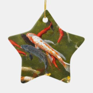 Ornement Étoile En Céramique Carpes de Koi dans l'étang