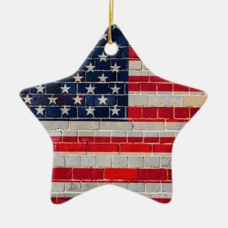 Ornement Étoile En Céramique Drapeau de l'Amérique sur un mur de briques
