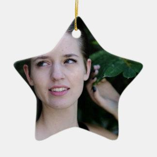 Ornement Étoile En Céramique Fille dans les bois
