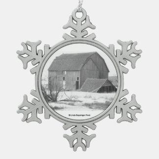 Ornement Flocon De Neige Grange dans la neige