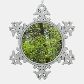 Ornement Flocon De Neige L'érable de ressort laisse la nature verte