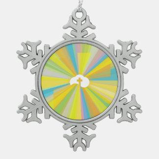 Ornement Flocon De Neige Nuage et croix avec les rayons légers colorés