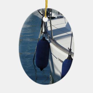 Ornement Ovale En Céramique Aile gauche de bateau à voile avec deux