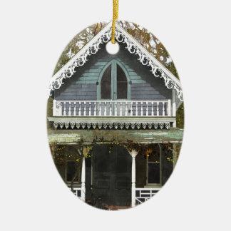 Ornement Ovale En Céramique Cottage sur le Martha's Vineyard