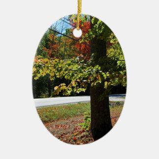 Ornement Ovale En Céramique Feuille d'automne au Maine