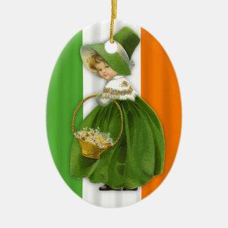 Ornement Ovale En Céramique Jeune fille vintage du jour de St Patrick