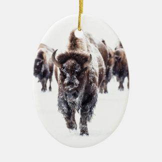 Ornement Ovale En Céramique La neige a couvert le bison, le parc national en