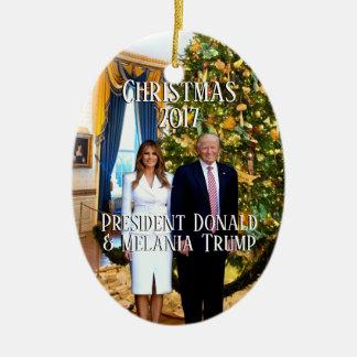 Ornement Ovale En Céramique Le Président Donald Trump et arbre de Noël de