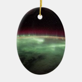 Ornement Ovale En Céramique Les aurores sur terre