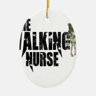 Ornement Ovale En Céramique L'infirmière de marche