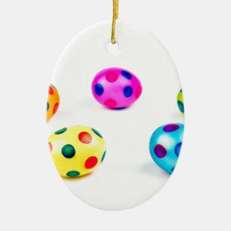 Ornement Ovale En Céramique Oeufs de pâques peints colorés de poulet de groupe
