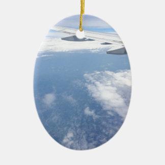 Ornement Ovale En Céramique Perdu dans les nuages