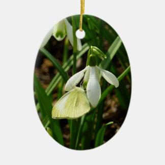 Ornement Ovale En Céramique Petit blanc sur le papillon de ressort de