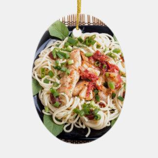 Ornement Ovale En Céramique Poulet cuit avec la sauce tomate d'un plat
