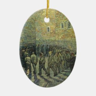 Ornement Ovale En Céramique Prisonniers s'exerçant par Vincent van Gogh