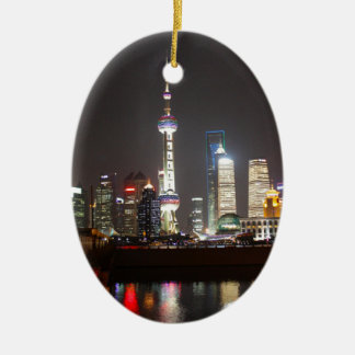 Ornement Ovale En Céramique Réflexions de Changhaï la nuit