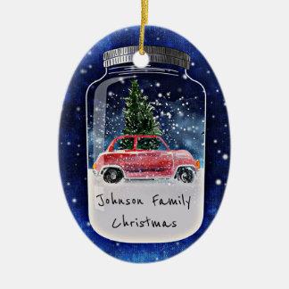 Ornement Ovale En Céramique Scène d'hiver d'arbre et de voiture de Noël dans