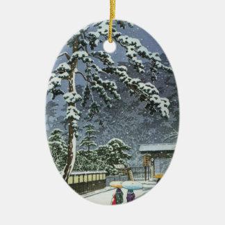 Ornement Ovale En Céramique Temple de Honmonji dans la neige - 川瀬巴水 de Kawase