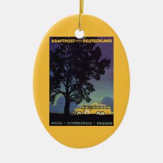 Ornement Ovale En Céramique Voyage vintage, Allemagne, autobus jaune la nuit