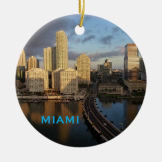 Ornement pittoresque de cercle de Noël de Miami